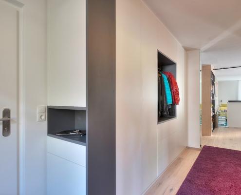 Tischlerei-Handle-Grins-Garderobe